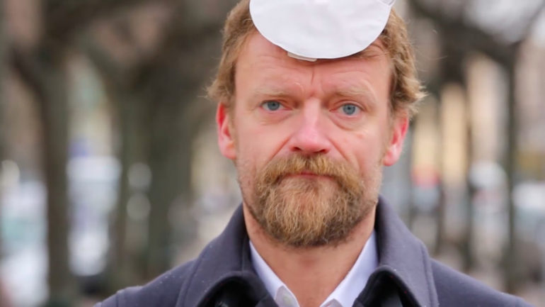 Frank Hvam siger undskyld og støtter op om Stomiguiden.dk